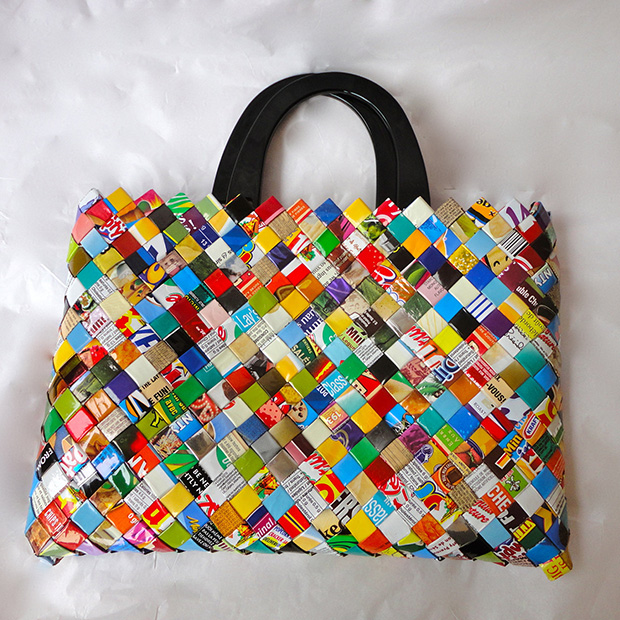 hand-woven-magazine-newspaper-recycled-bag