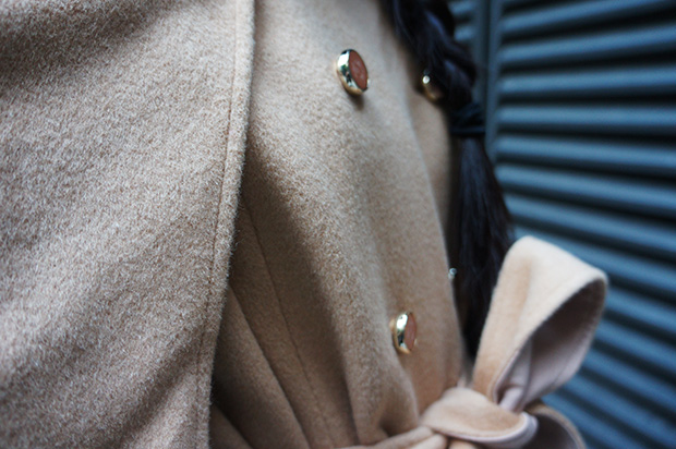 cream-beige-cape-details-Japanese-buttons